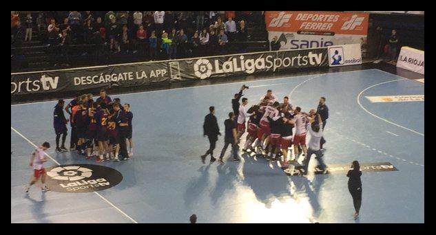 Los jugadores franjivino celebran el empate que debió ser triunfo. Foto: M. S.