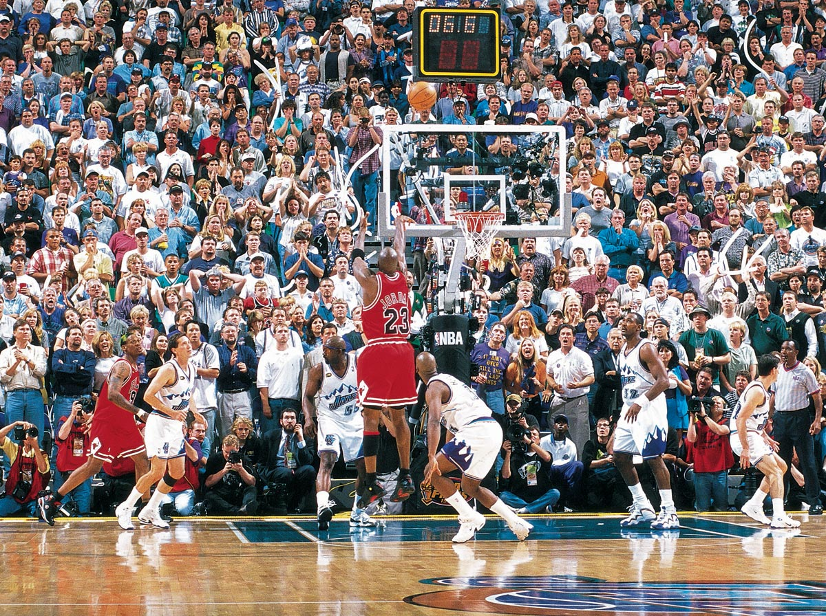 Michael Jordan anota la canasta que dio el sexto anillo a los Bulls. / Sport Illustrated