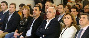 Diego Bengoa, primero por la izquierda, el lunes con la cúpula de su partido. Foto de Juan Marín
