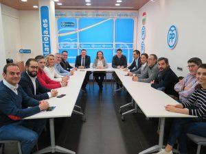 Constitución de la nueva junta del PP de Logroño.