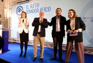 Martín, Maíllo, Ceniceros y Gamarra, al cierre del acto político del 29 de enero en Logroño. Foto de Juan Marín