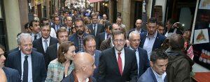 Mariano Rajoy, de visita en la calle Laurel, en mayo del 2016