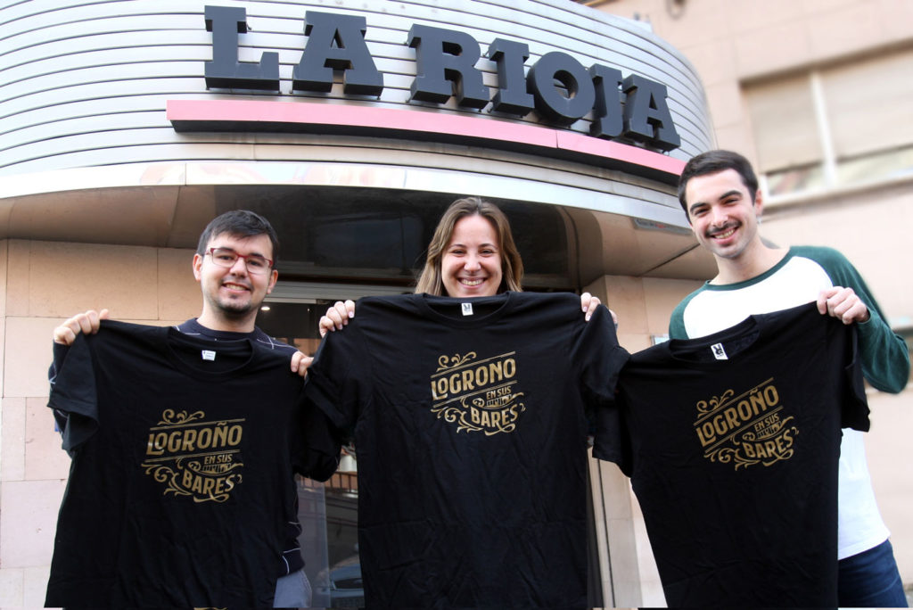 Tres camisetas, tres. Foto de Enrique del Río