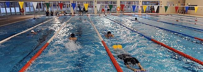 La ola de fr o tambi n en las piscinas nanay de logro o for Temperatura piscina climatizada