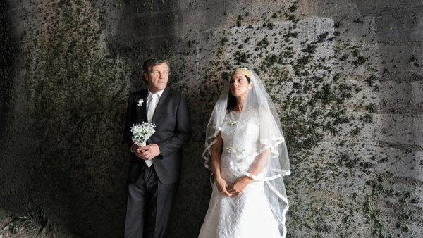 Emir Kusturica y Monica Bellucci un curioso matrimonio